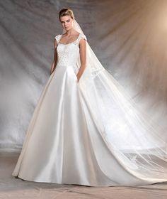 OSVINA - Vestido de noiva de mikado aristocrático | Pronovias