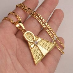Will not tarnish or change color ! Comes with chain ! High quality Ankh pyramid necklace Choose between or ! Africa Necklace, Ankh Necklace, Gold Necklace, Tree Necklace, Pendant Necklace, Layered Necklace, Necklace Set, Charm Jewelry, Jewelry Gifts
