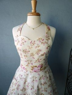 Retro Apron with Swirl Skirt -  Pink Rosebuds on Ivory - Full Kitchen Apron