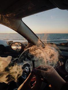Smoke weed in your car Fille Gangsta, Gangsta Girl, Bad Girl Aesthetic, Summer Aesthetic, Girl Smoking, Smoking Weed, Rauch Fotografie, Cigarette Aesthetic, Smoke Photography