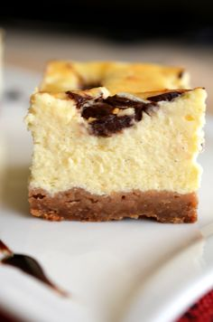 Cheesecake cu ciocolata (cea mai simpla reteta) - Retete culinare by Teo's Kitchen Yummy Cookies, Cake Cookies, Peach Yogurt Cake, Cake Recipes, Dessert Recipes, Desserts, Easter Pie, Good Food, Yummy Food