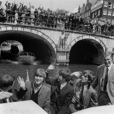 Rondvaart van The Beatles in Amsterdam (1964)