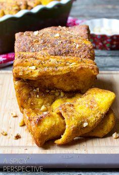Sweet and Savory Pumpkin Pull Apart Bread | pumpkin recipes and desserts