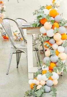 la decoración de mis mesas: Camino de mesa de globos y ramas