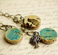 Wine Cork Necklace - slightly steampunky...I like it!!