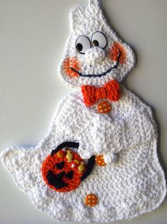 Crochet Happy Ghost, by Jerre Lollman