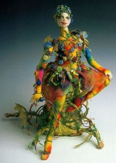 Patti Medaris Culea's art dolls. Beautiful and she gives classes. Thus a thing I would love to do!!! I just realized I have one of her books. LOL!