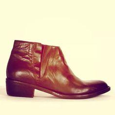 LENA MILOS vintage fw14/15 from DECALE boutique - aix en provence - anche shoponline DECALE.NET #lenamilos #madeinitaly #vintage #shoes #handmade #chic #luxury #boots #fashion #style #calzature #boutique