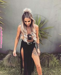 Braids Beautiful Coachella Outfit Ideas For Cozy Summer Outfit 28 Music Festival Makeup, Music Festival Outfits, Festival Clothing, Festival Looks, Festival Style, Girl Hairstyles, Braided Hairstyles, Summer Hairstyles, Rave Hair