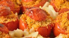 I pomodori al forno è un antipasto tipico siciliano che racchiude in se molti degli odori e dei gusti dell'isola più grande del mediteraneo.