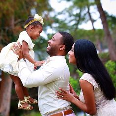 You can tell that she is their world nothing but love in this pic. #blacklove