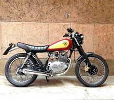 Yamaha SR250 Car Kits, Kit Cars, Bowie Heroes, Yamaha 250, Enduro Motorcycle, Cafe Racer Style, Street Tracker, Bike Ideas, Bobbers