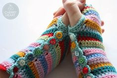 Bit of Color: Gehaakte Armwarmers met Crochet Along 2014