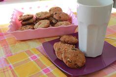 Granola cookies... a complet breakfast!!! http://pastissetcake.blogspot.com.es/2012/09/granola-cookies-complet-breakfast.html