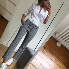 30 Simple Outfit Ideas for women 19 – Style Female Source by andreaquirosquiros casual Chic Office Outfit, Casual Work Outfits, Business Casual Outfits, Business Attire, Mode Outfits, Work Attire, Office Outfits, Work Casual, Simple Outfits