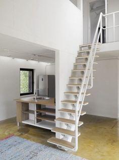 9 Dacha VolgaHouse en Rusia interior escalera