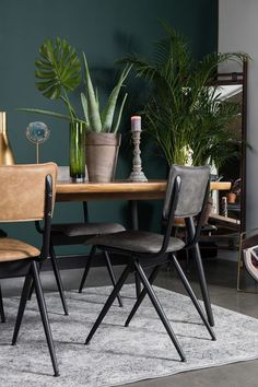 L O V E S H A C K A quick breakfast, relaxed lunch or extensive dinner with hours of dining afterwards: with these # dining room chairs you are in the. Breakfast Bar Table, Diner Table, Interior Design Living Room, Living Room Decor, Esstisch Design, Dinner Room, Style Deco, Buy Chair, Mocca