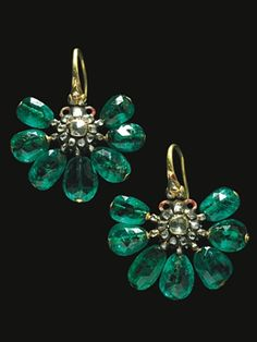 Emerald Earrings. 19th century, emeralds, diamonds, enamel, gold, h. 5 cm, l. 4,5 cm, Topkapi Palace Museum, Istanbul
