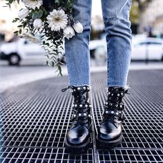 "1,763 mentions J'aime, 28 commentaires - Leeloo (@dressingleeloo) sur Instagram : ""Fave boots 👊🏻💥 @zara ( new co ) #rockit #newstuff #love #streetstyle"""