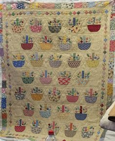 Quilt Stitching, Applique Quilts, Cute Quilts, Scrappy Quilts, Japanese Quilts, Quilted Throw Blanket, Basket Quilt, Quilting Projects, Quilting Ideas