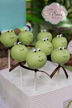 Frog cake pops at a Reptile Party #reptile #cakepops by The Sweet Society