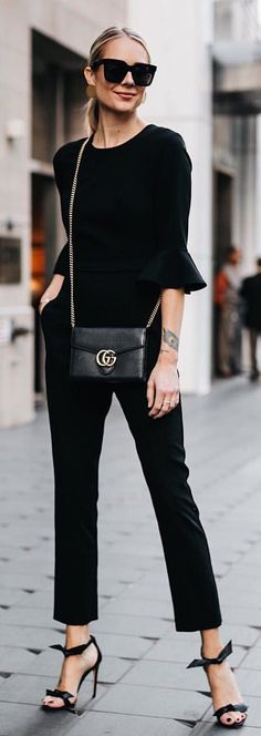 #spring #outfits woman wearing black trumpet-sleeved top and pants. Pic by @fashion_jackson