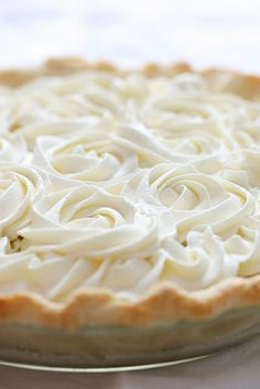 Fresh Coconut Cream Pie - about as fresh as you can get since you have to whack open a whole coconut and shred the inside of it. 12 PP serves Total splurge treat. Beaux Desserts, Just Desserts, Delicious Desserts, Yummy Food, Dessert Healthy, Vegan Desserts, Coconut Recipes, Pie Recipes, Sweet Recipes