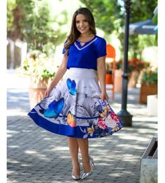 *Catalogue Turfi Western* 🔰🔰🔰🔰🔰🔰🔰🔰🔰🔰 *Two piece fa. Skirt Outfits, Dress Skirt, Midi Skirt, Casual Work Outfits, Cool Outfits, Modest Fashion, Fashion Dresses, Summer Wedding Outfits, Conservative Fashion