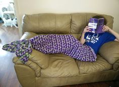 This crocheted mermaid lapghan is so clever that I was inspired to write a little song about it.