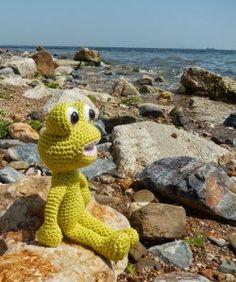 Free Frog Amigurumi Crochet Pattern