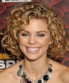 Medium Curly Hairstyles for Round Faces
