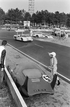 Sports Car Racing, Racing Team, Sport Cars, Race Cars, Le Mans, Vintage Racing, Vintage Cars, Ricardo Rodriguez, Course Automobile