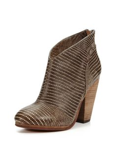 Taylor Bootie by Modern Vintage - I would definitely try to rock this!