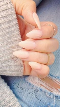 stiletto nails:simple//nude