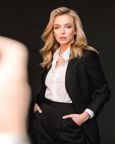 Pantsuits For Women, Jodie Comer, Famous Women, Celebs, Celebrities, Androgynous, Famous Faces, Boss Lady, Beautiful People
