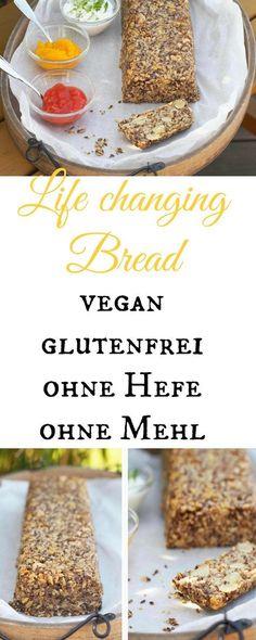 """Wenn Ihr gerne gesundes Brot esst, dann probiert doch dieses """"Life changing bread"""" (Lebensveränderndes Brot). Es ist vegan, ohne Hefe und ohne Mehl und schmeckt soooo fantastisch. Es hält sich wirklich fast eine Woche frisch und nach 2 kleinen Scheiben ist man pappsatt und zufrieden ;-)! Mit und ohne Thermomix in knapp 2 Minuten hergestellt."""