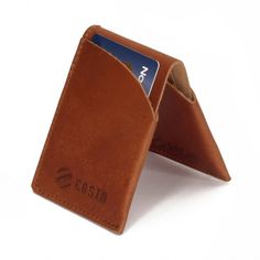 Costo Pomio card cas has four card slots. The case is hand made in EU from genuine leather. Costo manufacturing methods are very environmentally friendly.