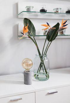 Tischlampe MIK mit echtem Betonsockel jetzt einfach und schnell online bei  Lumizil shoppen.  retro fa007838d3