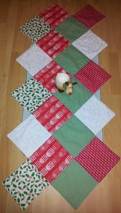 Charm Pack Zigzag Table Runner the I.