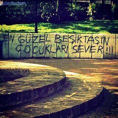 En güzel Beşiktaş'ın çocukları sever #dediadam... - #yazar #şiirsokakta #kitap #oku #duvar #sokakta #şiir #kitaplar #takip #yalnızlık #aşk #bilgi #Love #sinema #twitter #moda #sev #followme #film #roman #hayat #edebiyat #fotoğraf #çarşı #Beşiktaş #siyah #beyaz #karakartal #kartal www.dediadam.com www.instagram.com/dediadam http://dediadam.tumblr.com www.flickr.com/photos/dediadam http://dediadam.blogspot.com.tr