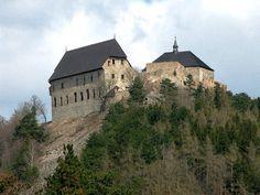 Česko, Točník - Hrad Prague, Fairytale Castle, Europe Photos, Beautiful Places In The World, Old City, Kirchen, Czech Republic, Barcelona Cathedral, Mansions