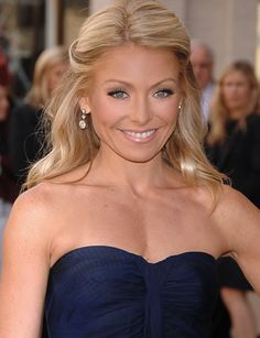 Kelly Ripa...love Kelly..sooo pretty and funny with Michael Strahan on their daily show...