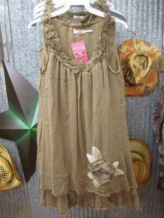 Cute! love this ruffly loose style