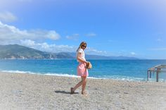 Beach, Model, Photography, Fashion, Pink skirt, hat,Travel, Italy, Portofino, Ligurian Coast, Spring, Sun, Culture, Europe, Nature, Sea, Blog