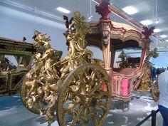Museu dos Coches / Belem Lisboa / National Coach Museum National Coach, Royal Furniture, Belem, Sedans, Coaches, Versailles, Innovation Design, Portuguese, Architects