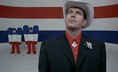 JOHN ABBEY est un acteur américain né le 21 septembre 1935 à Denver, dans le Colorado, aux États-Unis et qui a réalisé une partie importante de sa carrière en France. Filmographie principale: John Abbey est connu notamment pour avoir interprété le rôle-titre du film Mister Freedom de William Klein en 1969, et celui de Lacs dans le film Playtime de Jacques Tati en 1967.
