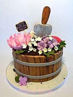 28 Ideas birthday cake ideas for mum mothers 28 Ideas birthday cake ideas for m… Happy Birthday Cakes For Women, Grandma Birthday Cakes, Garden Birthday Cake, Grandma Cake, 60th Birthday Cakes, Mom Cake, Birthday Ideas, Pastel Mickey, Barrel Cake