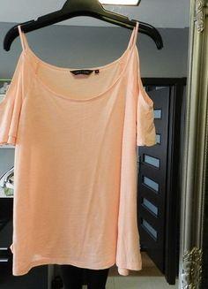 Kup mój przedmiot na #vintedpl http://www.vinted.pl/damska-odziez/bluzki-z-krotkimi-rekawami/14380610-new-look-brzoskwiniowy-top-z-odkrytymi-ramionai
