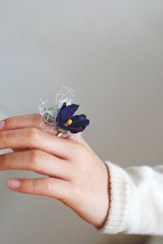 flower ring すみれのリング http://www.vingtquatre.com