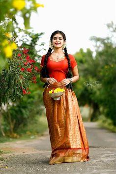 Indian Actress Photos, Indian Actresses, Model Poses Photography, Indian Costumes, Frock Dress, Cute Young Girl, Girls Blouse, Blouse And Skirt, Half Saree